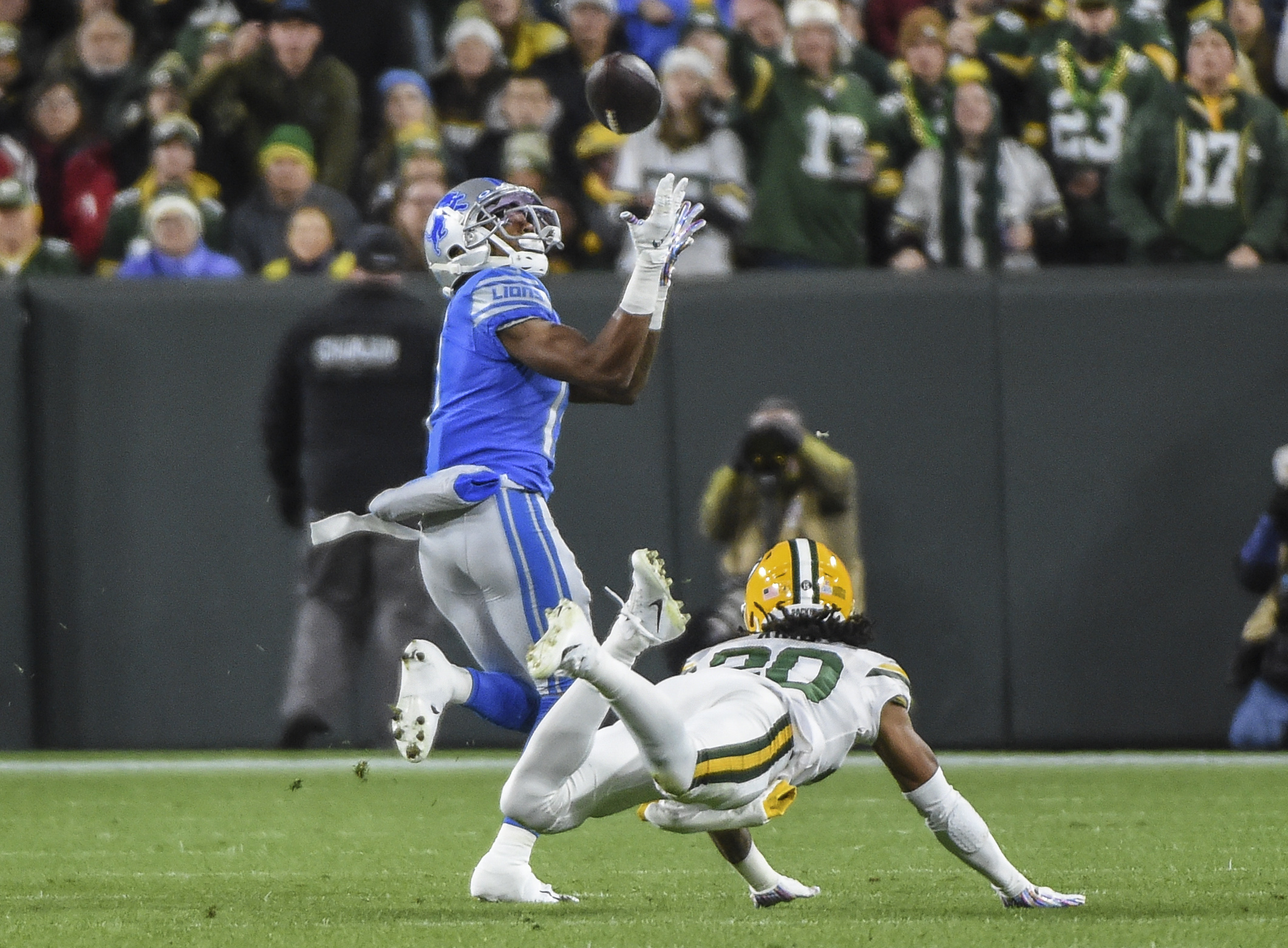 Studs And Duds From Packers 23 22 Win Over Lions In Week 6