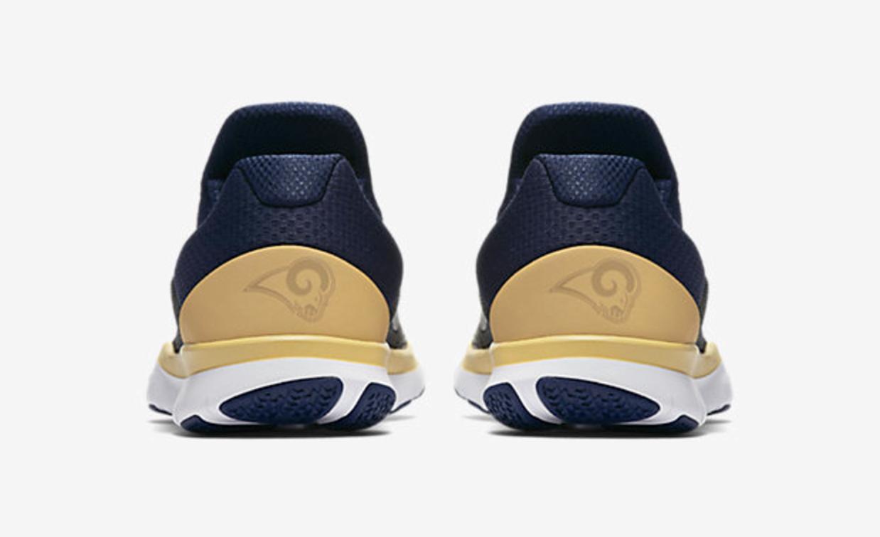 Buena suerte junto a aparato  Nike releases Rams-themed sneakers for 2017 season