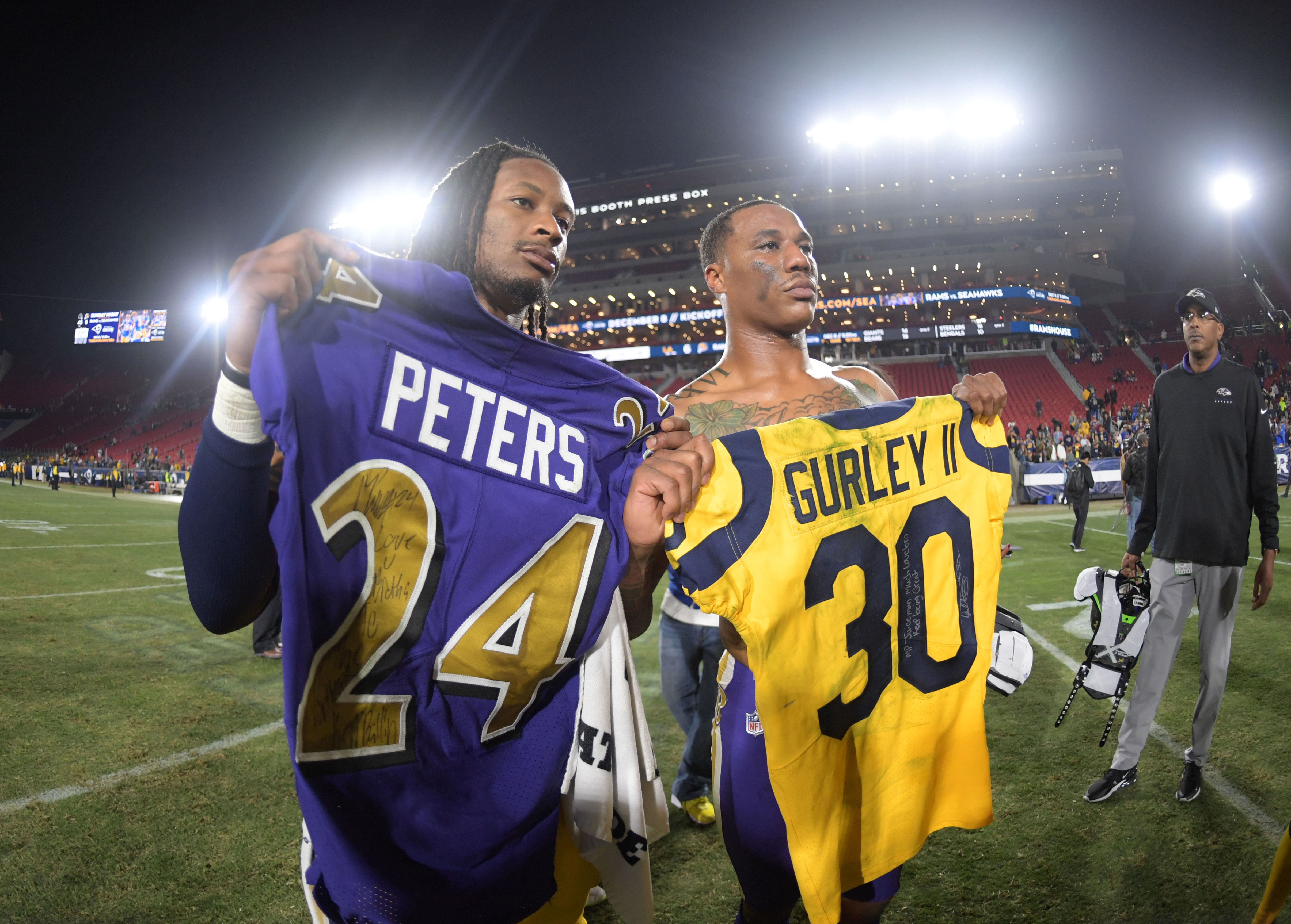 Marcus Peters Swaps Jerseys With Todd Gurley Reunites With Rams