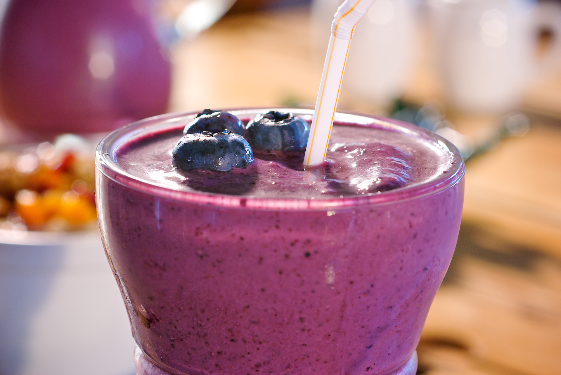 This yogurt breakfast smoothie is packed with some of the most powerful Superfoods on earth. It's rich in disease-fighting antioxidants which help prevent premature aging and promote cardiovascular and digestive health.