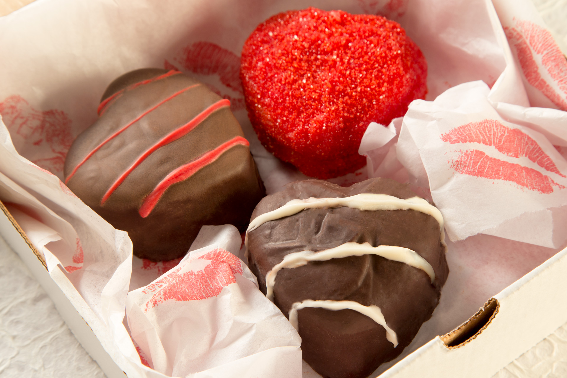 Make your own special chocolate box with these mini cakes dipped in chocolate and dressed up any way you like! Even if you aren't doing Valentine's Day on a budget, you'll make your Valentine feel special with something handmade from the heart.