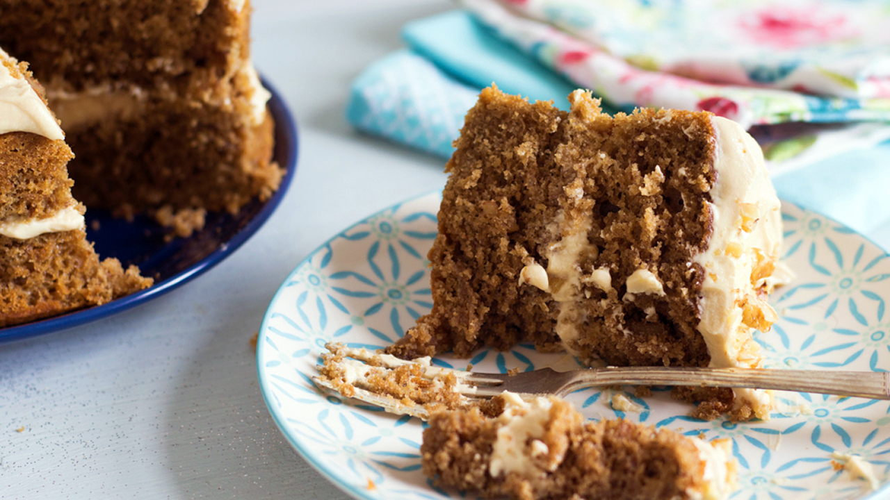 This cake has a vibrant kick of coffee in the icing, with a base cake that has deliciously deep caramel notes, with tones of a strong, well-rounded coffee flavor to balance out the sweetness.