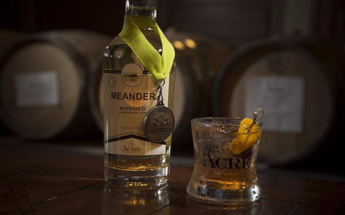 It's made with wood-aged dry gin that won silver at last year's Los Angeles International Spirits Competition. The drink combines Acre Distilling Co. Meander Wood Aged Gin with simple syrup, Angostura bitters, and orange bitters, garnished with an orange peel.