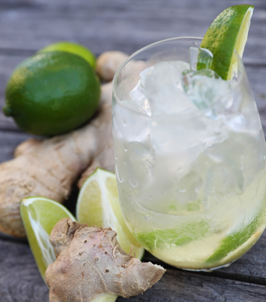 A traditional Brazilian drink made with fresh ginger, lime, Cachaçaand turbinado sugar!