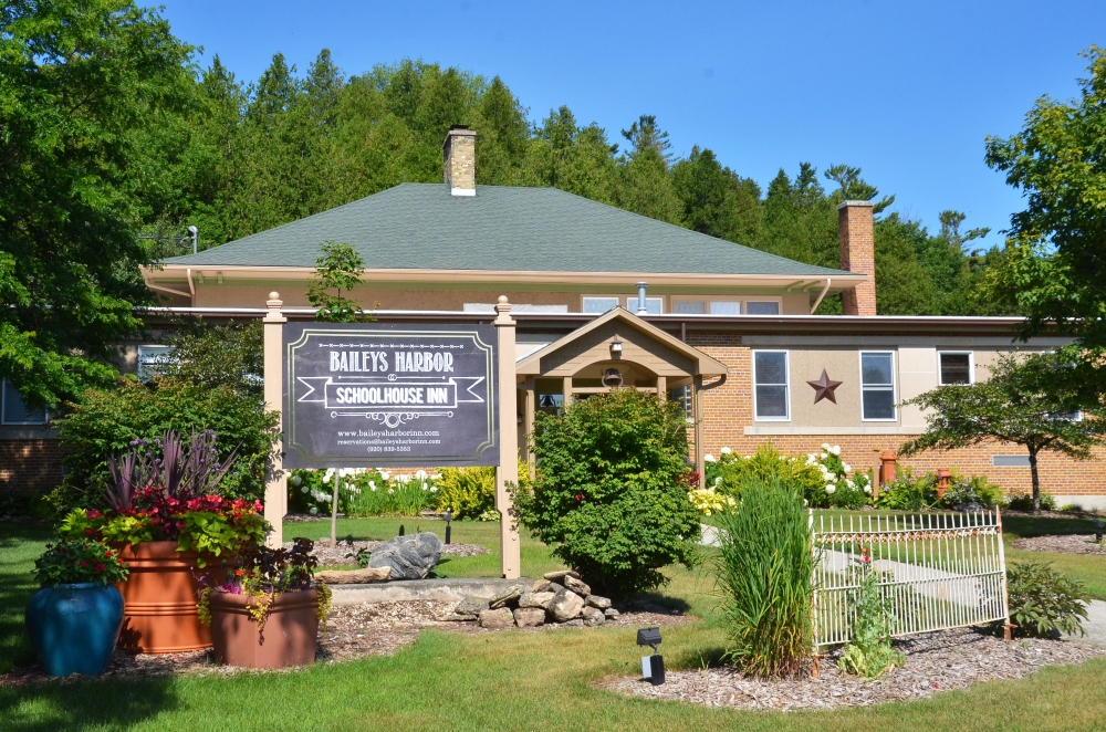 If you are considering a trip to Door County, do yourself a favor and check out some of the opportunities along with peninsula—like Baileys Harbor Schoolhouse Inn. It is literally a former schoolhouse, built in 1917 to serve the families of Baileys Harbor in Door County, WI. It is now operated as an inn, with seven suites.