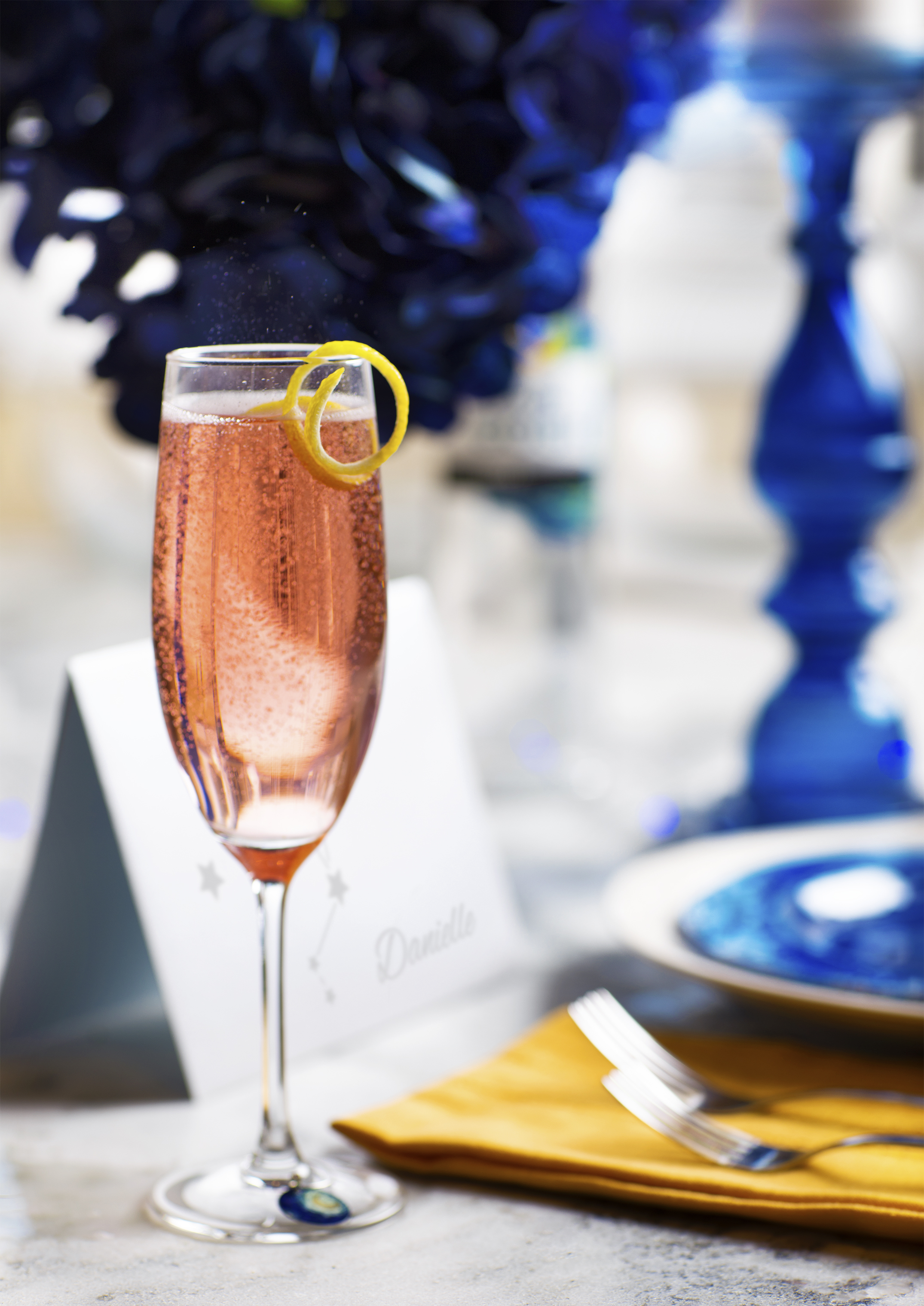 Add chilled Van Gogh Vodka to a flute and top with chilled sparkling rosé. Garnish with a starfruit. For a twist on color, try substituting Van Gogh Pomegranate or Van Gogh Açaí-Blueberry).