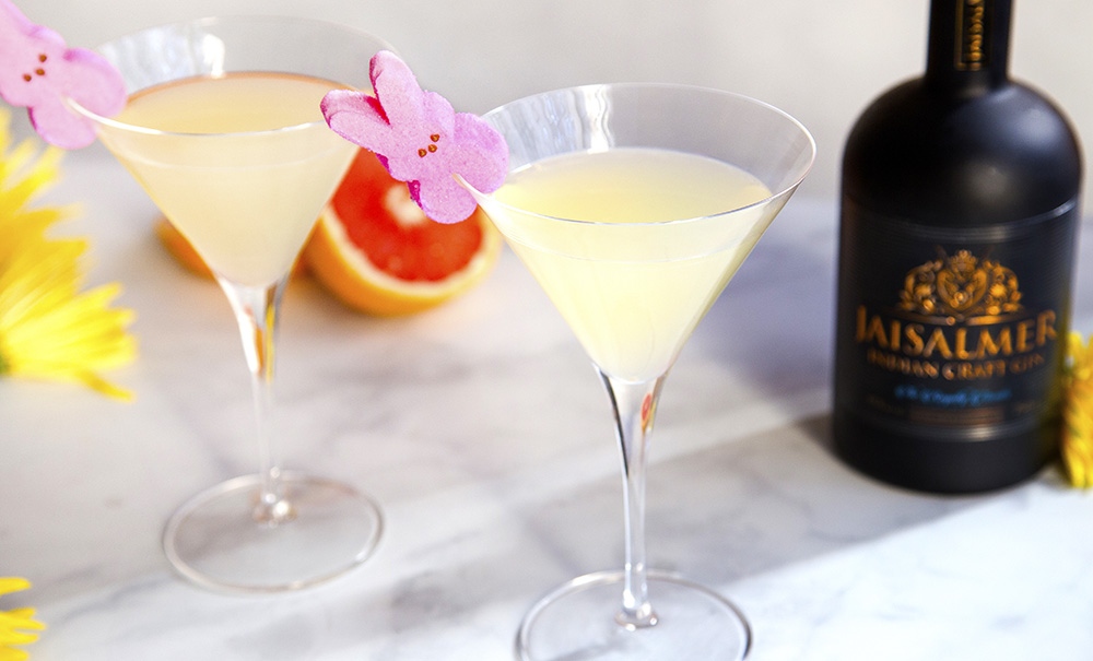 If you're looking for some cool Easter-themed libations for your holiday celebrations, The Food Channel has you covered. This peeptini features Jaisalmer Gin.