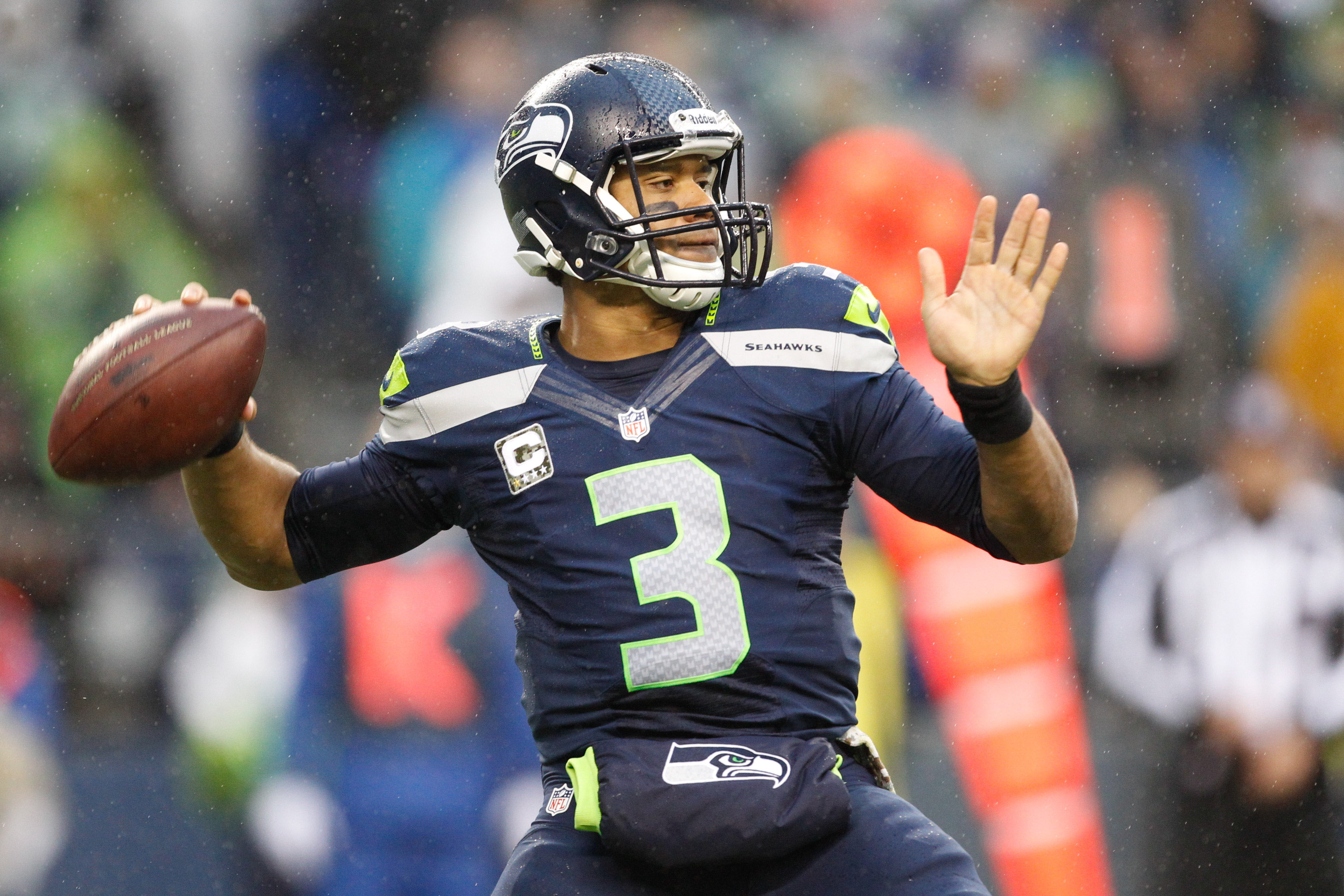 Seahawks' Wilson faces his idol in Brees | USA TODAY Sports Wire
