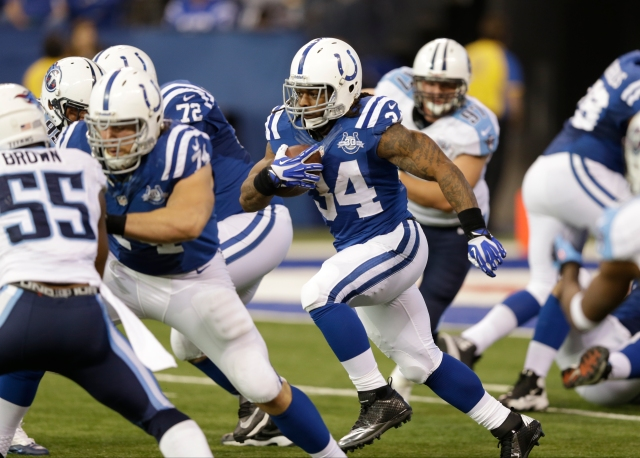 AP TITANS COLTS FOOTBALL S FBN USA IN