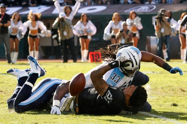 USP NFL: TENNESSEE TITANS AT OAKLAND RAIDERS S FBN USA CA