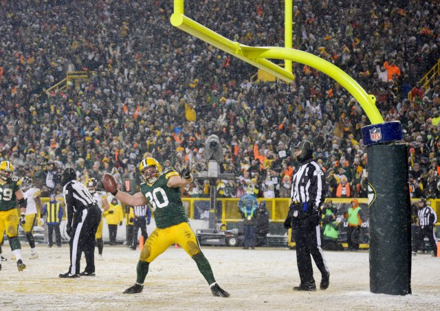 It could be negative 20 degrees in Lambeau on Sunday. (Benny Sieu-USA TODAY Sports)