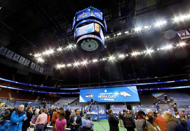 USP NFL: SUPER BOWL XLVIII-DENVER BRONCOS MEDIA DA S FBN USA NJ