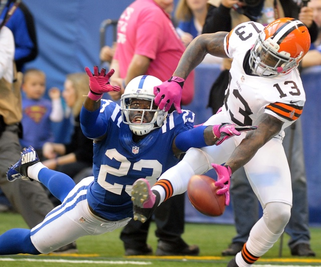 The Indianapolis Colts may have to replace their top corner, Vontae Davis, if he leaves via free agency. (Thomas J. Russo - USA TODAY Sports)