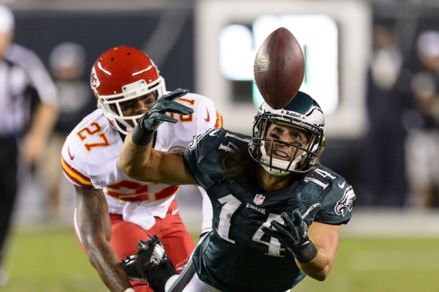 Riley Cooper had a breakout season in 2013, but the Philadelphia Eagles need more help at wide receiver.  (Credit: Howard Smith - USA TODAY Sports)