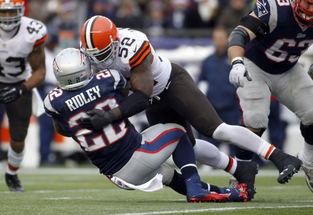 Cleveland Browns linebacker D'Qwell Jackson tackles New England Patriots running back Stevan Ridley at Gillette Stadium. (Stew Milne - USA TODAY Sports)