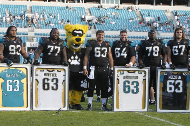 After 14 seasons season with the Jacksonville Jaguars, offensive lineman Brad Meester retired after the 2013 campaign. (Kim Klement - USA TODAY Sports)