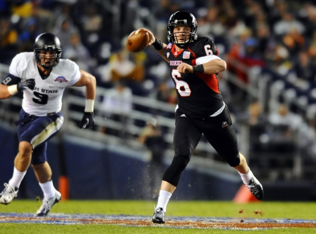 Northern Illinois Huskies quarterback Jordan Lynch (6) passes the ball in the first half against the Utah State Aggies during the 2013 Poinsettia Bowl. (Christopher Hanewinckel-USA TODAY Sports)