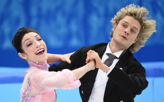 Meryl Davis and Charlie White of the USA perform in the ice dance short dance program during the Sochi 2014 Olympic Winter Games at Iceberg Skating Palace. (Robert Deutsch  - USA TODAY Sports)