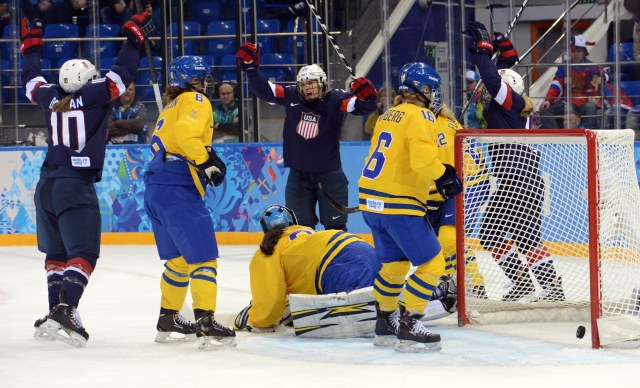 Amanda Kessel celebrates her goal. (Jayne Kamin-Oncea, USA TODAY Sports)