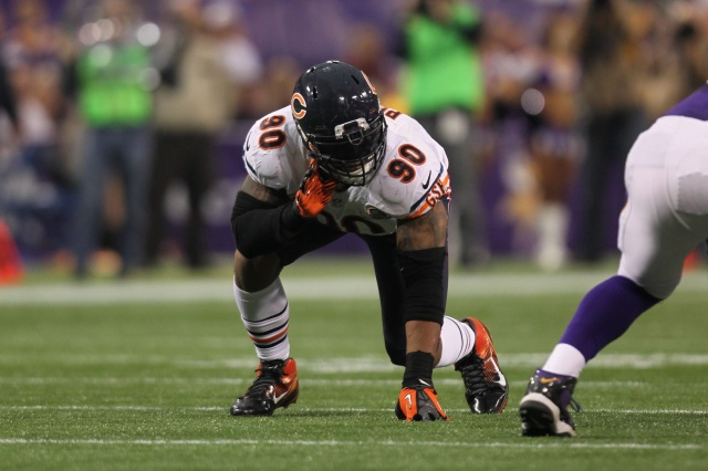 Chicago Bears defensive end Julius Peppers against the Minnesota Vikings at the Metrodome. (Brace Hemmelgarn - USA TODAY Sports)