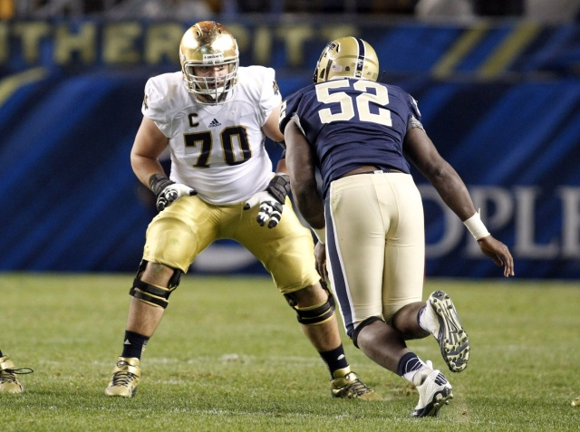 Notre Dame Fighting Irish offensive tackle Zack Martin blocks Pittsburgh Panthers defensive lineman Shakir Soto. (Charles LeClaire - USA TODAY Sports)