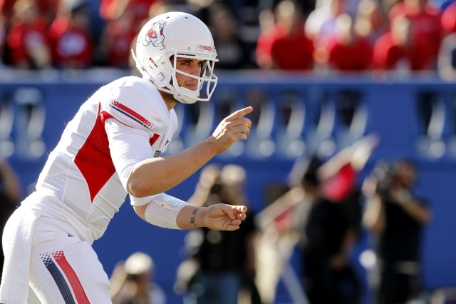 Fresno State QB Derek Carr may not have to far to move once he's selected in May's NFL draft. (Cary Edmondson - USA TODAY Sports)