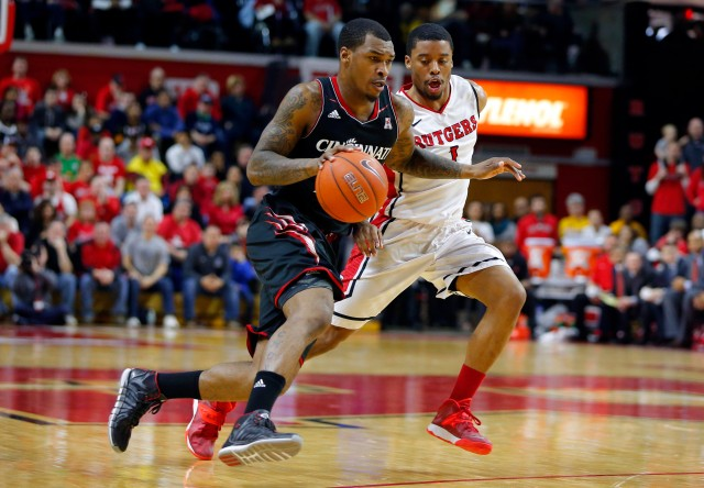 Sean Kilpatrick uses leverage to get into the lane as well as any guard in the country. Jim O'Connor-USA TODAY Sports.