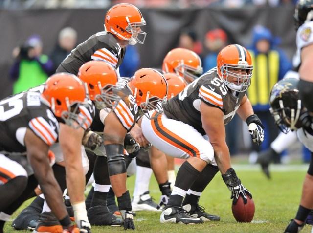 Cleveland Browns center Alex Mack against the Baltimore Ravens at Cleveland Browns Stadium. (David Richard - USA TODAY Sports)