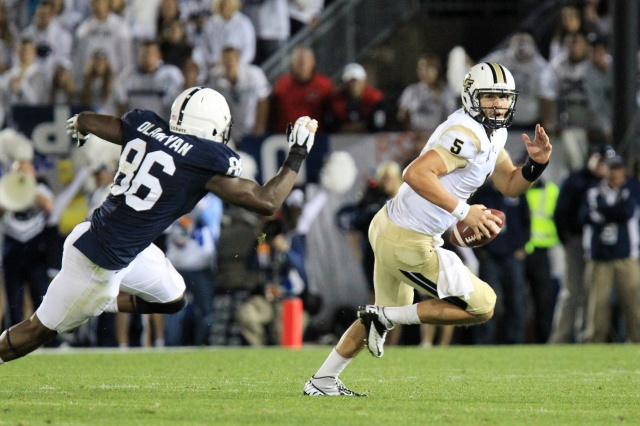 Central Florida Knights quarterback Blake Bortles runs the ball  against the Penn State Nittany Lions at Beaver Stadium. Central Florida defeated Penn State 34-31.  (Matthew O'Haren - USA TODAY Sports)