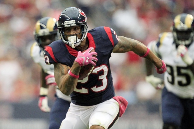 Houston Texans running back Arian Foster rushes against the St. Louis Rams at Reliant Stadium. (Thomas Campbell - USA TODAY Sports)