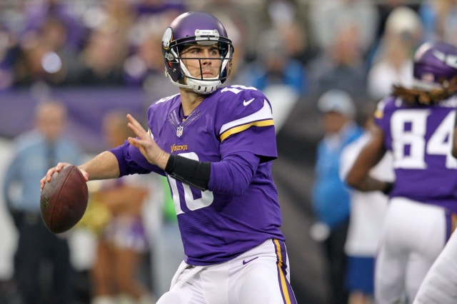 Minnesota Vikings quarterback Matt Cassel prepares to throw the ball against the Detroit Lions at Mall of America Field at H.H.H. Metrodome. (Brace Hemmelgarn - USA TODAY Sports)