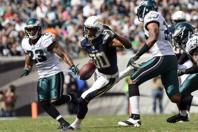 San Diego Chargers wide receiver Malcom Floyd carries the ball during against the Philadelphia Eagles at Lincoln Financial Field. (Howard Smith - USA TODAY Sports)