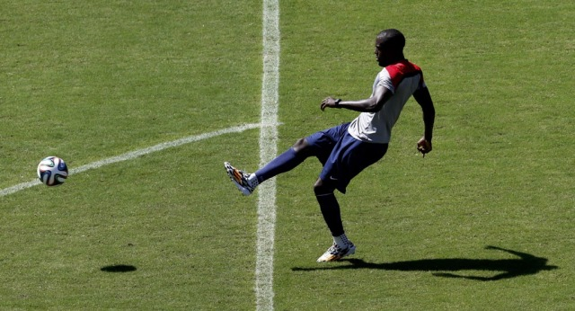 Can Jozy Altidore's return vault the U.S. into the quarterfinals? (Marcos Brindicci, REUTERS)