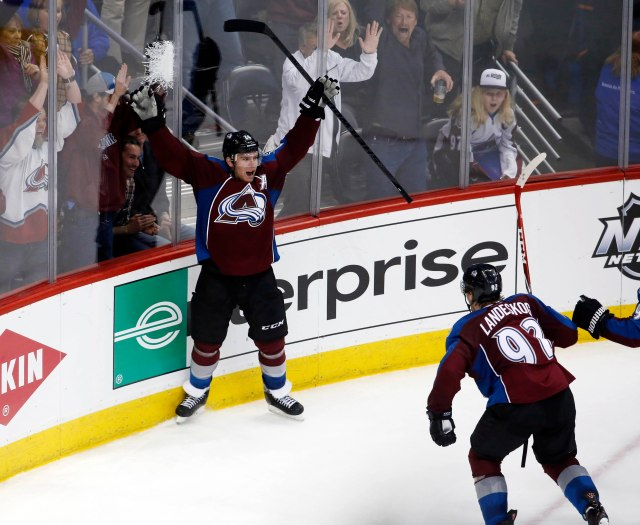 Paul Stastny celebrates a goal. (Chris Humphreys, USA TODAY Sports)
