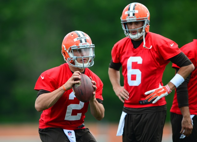 Johnny Manziel (left) and Brian Hoyer (Andrew Weber-USA TODAY Sports)