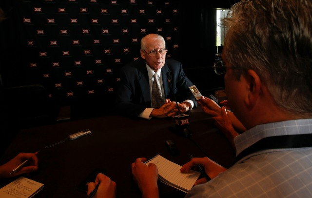 Bill Snyder is right about college football, but what's his solution? (Kevin Jairaj, USA TODAY Sports)