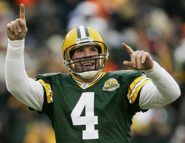 Brett  Favre couldn't make up his mind. That doesn't make him a villain. (AP Photo)