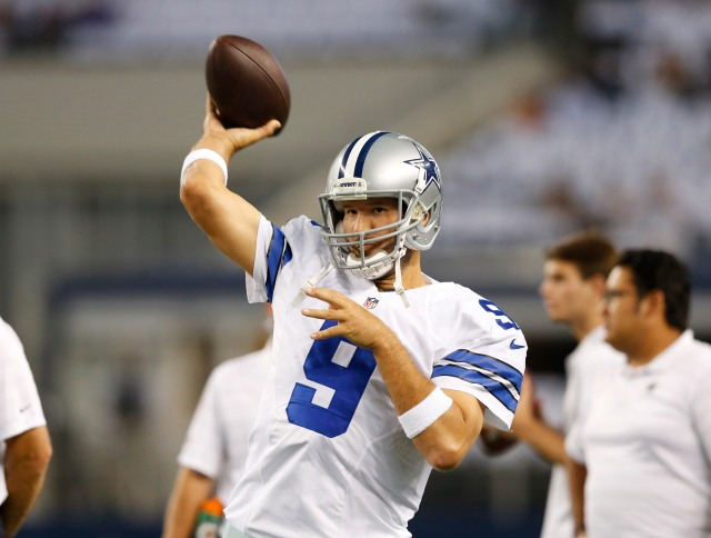 Tony Romo looked like his old self in his preseason debut. (Matthew Emmons, USA TODAY Sports)