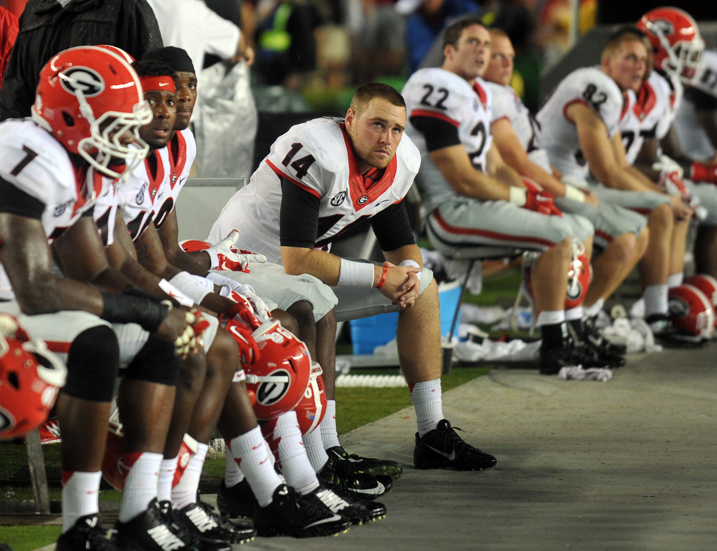 Georgia players watch the final seconds of their loss to South Carolina. (Atlanta Journal-Constitution via AP)