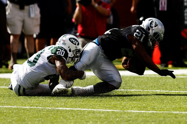 RB Maurice Jones-Drew had a forgettable debut with the Raiders. (Jeff Zelevansky-Getty Images)