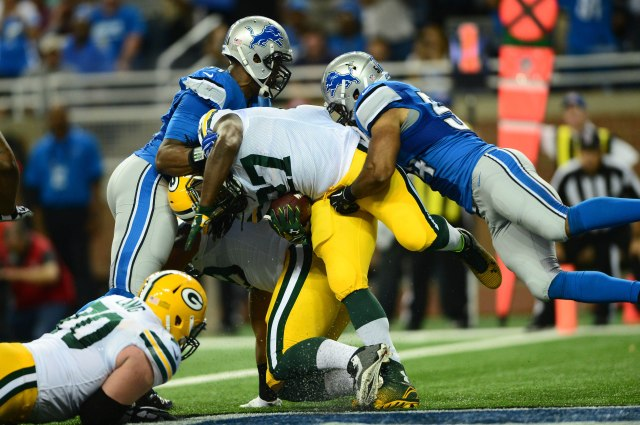 Eddie Lacy doesn't resemble his Offensive Rookie of the Year form. (Andrew Weber, USA TODAY Sports)