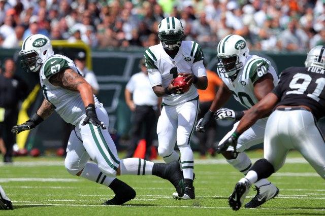 Jets backup QB Michael Vick saw some early snaps Sunday vs. Oakland. (Brad Penner-USA TODAY Sports)