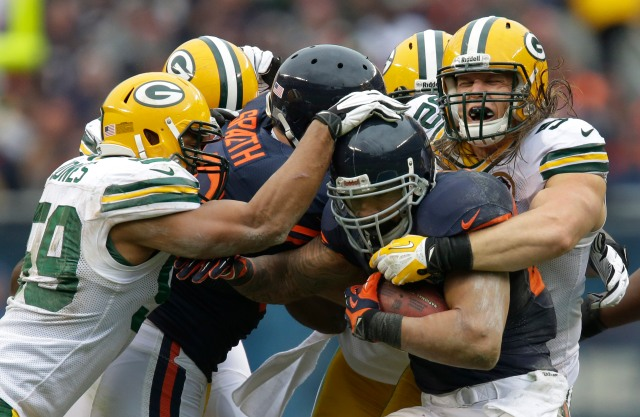 Packers OLB Clay Matthews, far right, and Bears RB Matt Forte should lock horns yet again Sunday. (Dan Powers-USA TODAY Sports)