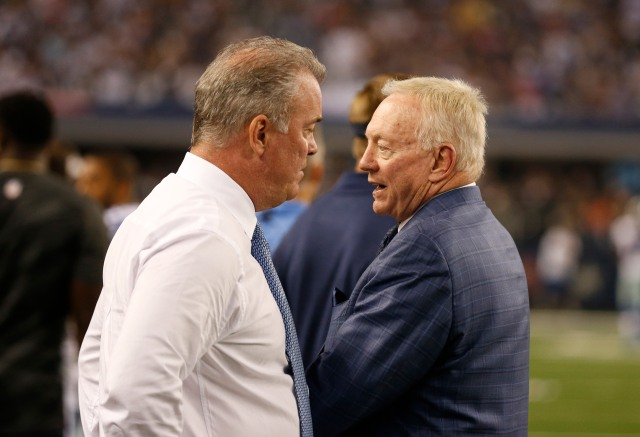 Jerry Jones on the field during Dallas' loss to Washington Monday night. He appeared to be pressuring head coach Jason Garrett on game decisions. (Matthew Emmons, USA TODAY Sports)