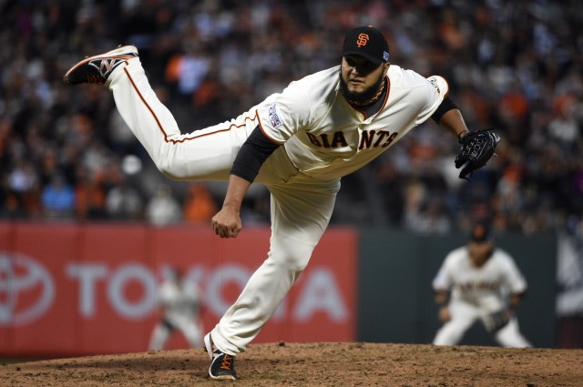 Yusmeiro Petit provides key depth in a Giants bullpen that has been -- and will be -- the difference in the postseason. (Kyle Terada, USA TODAY Sports)