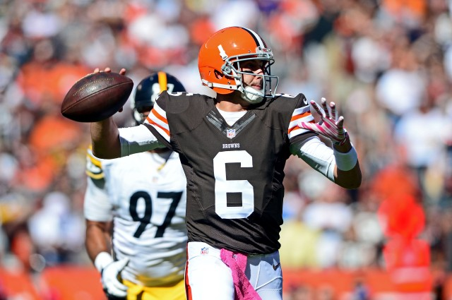 Cleveland Browns quarterback Brian Hoyer (6) throws the ball during the first quarter against the Pittsburgh Steelers. (Andrew Weber-USA TODAY Sports)