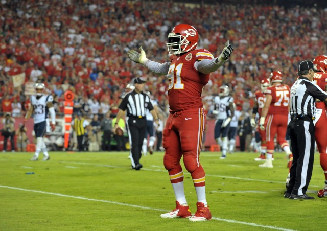 The Chiefs should trade Tamba Hali to a team in need of an edge rusher. (Danny Medley, USA TODAY Sports)