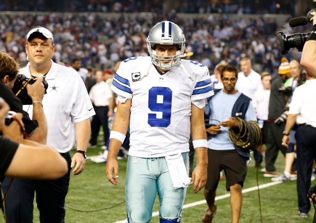 Tony Romo and the Cowboys' offense didn't adjust properly on Monday. (Matthew Emmons, USA TODAY Sports)