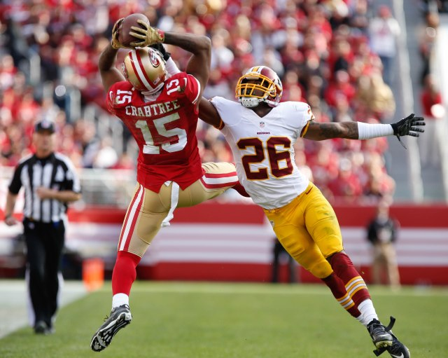 Michael Crabtree makes a leaping catch for the resurgent 49ers. (Kelley L. Cox, USA TODAY Sports)