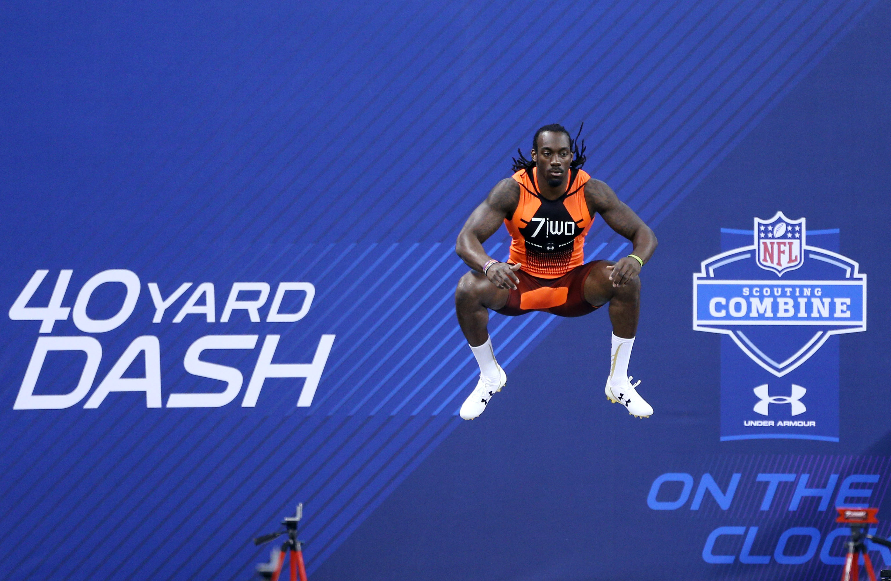 Sammie Coates prepares to run the 40-yard dash at the NFL scouting combine.  (Brian Spurlock, USA TODAY Sports)